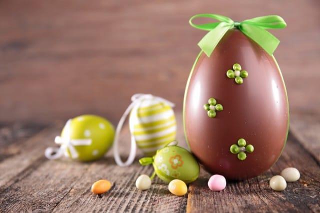 Uovo di Pasqua al cioccolato: la ricetta per prepararlo in casa insieme ai bambini