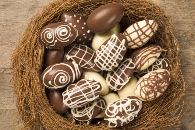 come-fare-uovo-pasqua-in-casa-cioccolato (4)