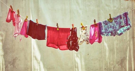 Come stendere il bucato in casa non sprecare - Asciugare panni in casa ...
