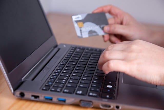 Truffe online: 10 regole per evitarle e stare sicuri