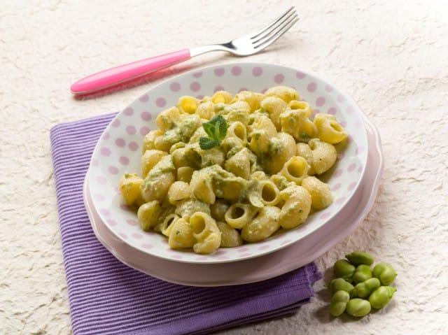Primi piatti: la ricetta della pasta con fave, ricotta e pecorino
