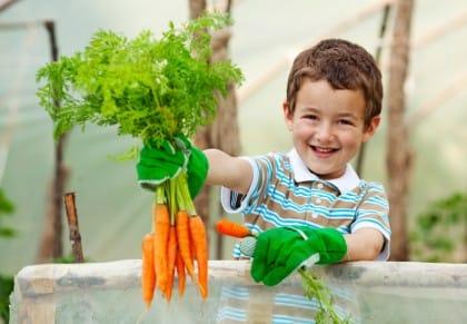 coltivare-lorto-con-i-bambini-in-primavera-e-un-gioco-da-ragazzi (3)