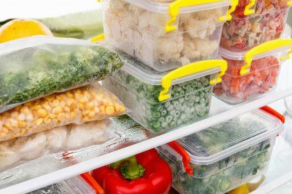 Avanzi di cibo, come conservarli in sicurezza. In frigorifero e nel freezer, con i contenitori giusti