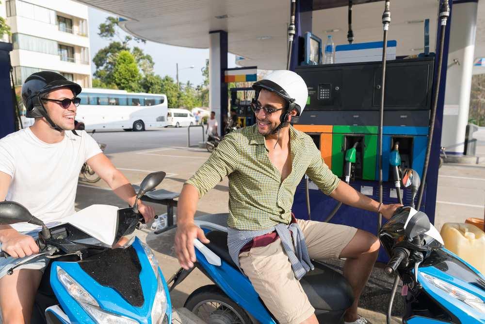 come risparmiare benzina in scooter