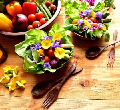 Erbe spontanee in cucina: ecco quali sono le più comuni e alcune gustose ricette