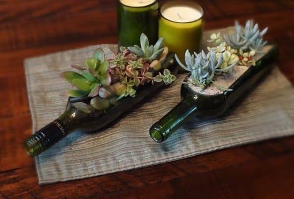 Riciclo creativo delle bottiglie di vetro: da rifiuto a risorsa, tante idee da copiare (foto)