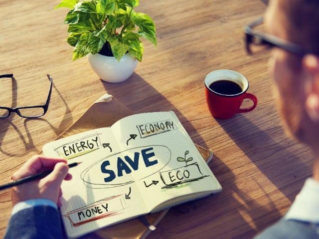 Come risparmiare sulla bolletta di luce e gas in 5 semplici mosse