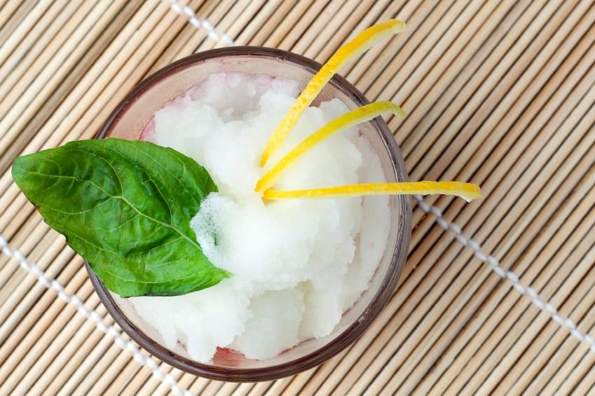 Sorbetto allo zenzero: la ricetta con il limone. Come prepararlo in casa senza la gelatiera