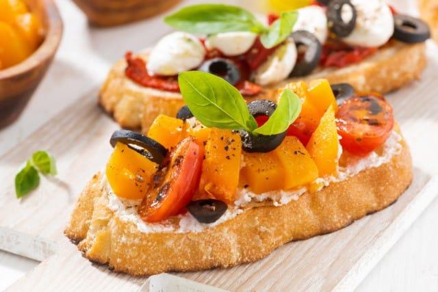ricette-per-bruschette-veloci-estive-saporite-sfiziose (11)