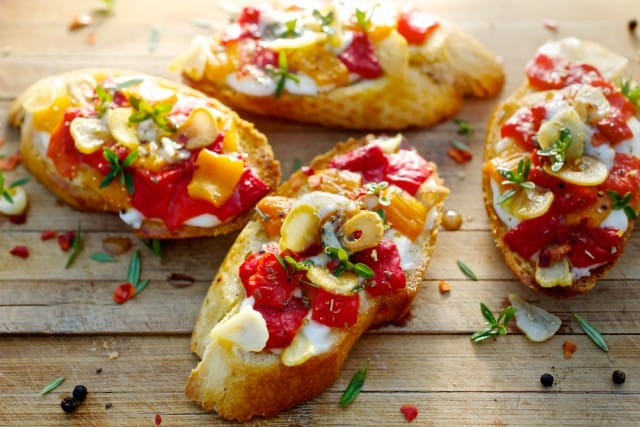 ricette-per-bruschette-veloci-estive-saporite-sfiziose (2)