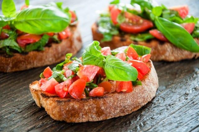 ricette-per-bruschette-veloci-estive-saporite-sfiziose (3)