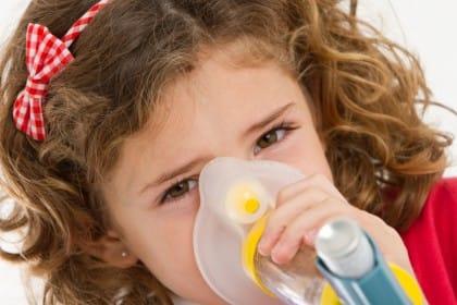 Asma nei bambini: i rimedi naturali e i consigli utili per curare la malattia