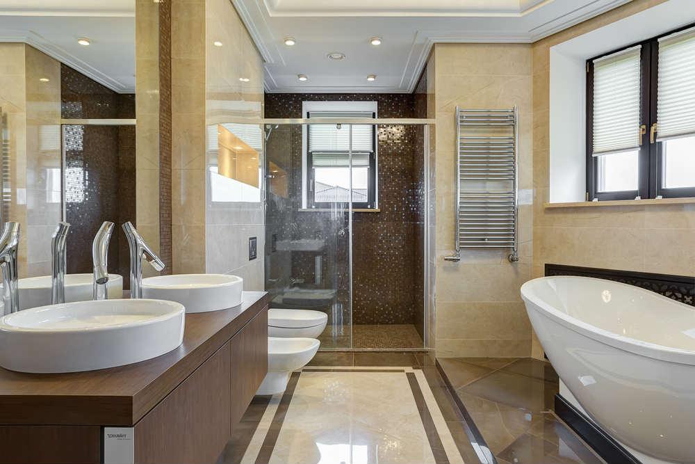 Come pulire il bagno in modo naturale non sprecare - Come scaldare il bagno ...
