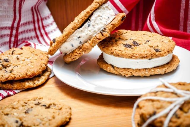 ricetta-gelato-biscotto-fatto-in-casa (7)