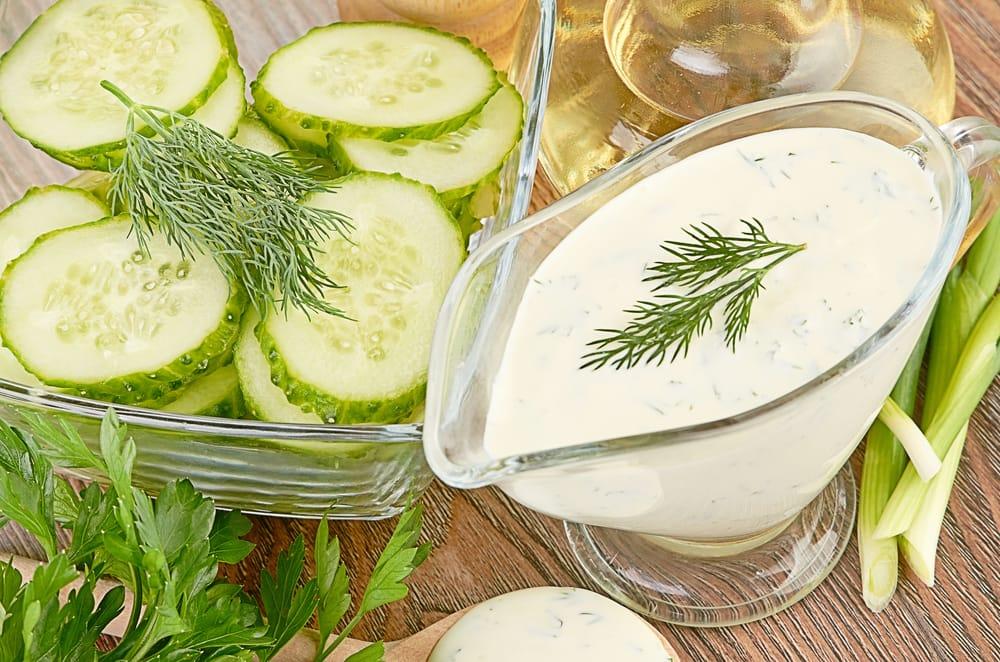 Ricetta Yogurt Greco Con Cetrioli.Ricetta Insalata Di Cetrioli E Yogurt Non Sprecare