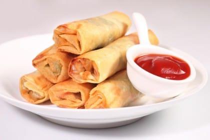 Involtini primavera la ricetta per preparare in casa un for Piatto tipico cinese