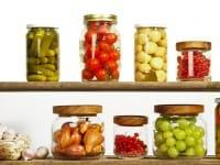 Come sterilizzare i vasetti delle conserve: una guida con tutte le indicazioni utili