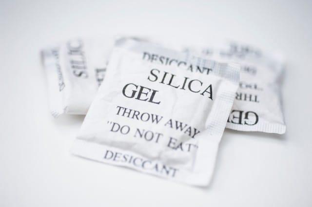 Bustine di gel di silice: ecco come riutilizzarle