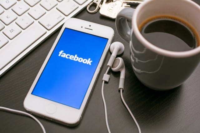 http://www.nonsprecare.it/wp-content/uploads/2015/09/condividere-competenze-web-gruppo-facebook-quelli-che-si-scambiano-il-lavoro-640x426.jpg
