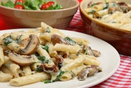 Sughi ai funghi: tre deliziose ricette da gustare con la pasta o le bruschette