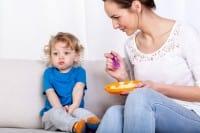 Come prevenire i disturbi alimentari nei bambini, i 10 consigli della psicoterapeuta