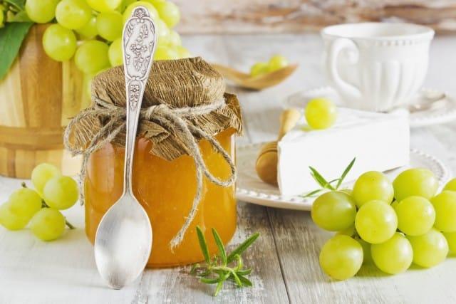 Marmellata di uva: la ricetta perfetta per la colazione. È deliziosa anche con i formaggi