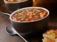 Zuppa di quinoa: tre ricette deliziose, nutrienti e sane, con le verdure e i legumi