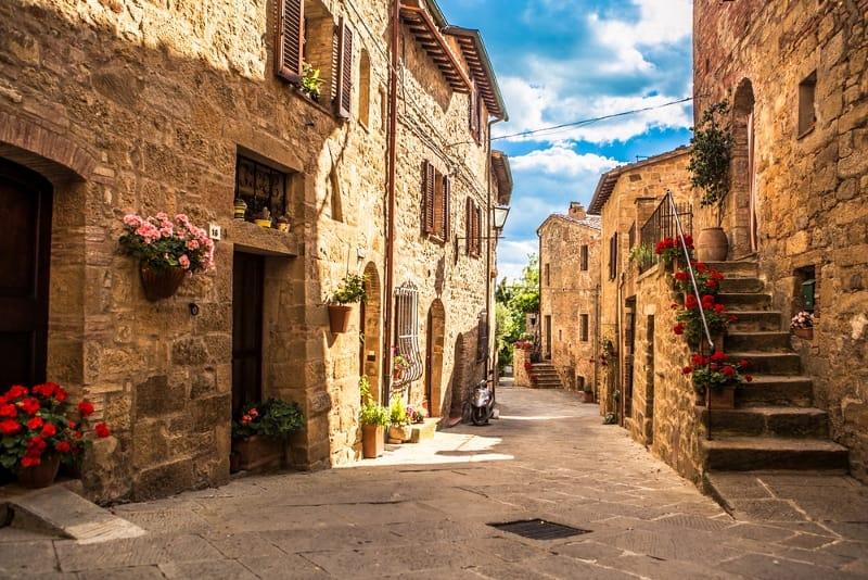 Alberghi diffusi in Italia: cosa sono, come funzionano e quali sono i più belli da Nord a Sud