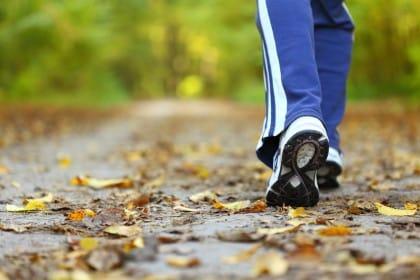 Camminare fa bene a tutto: serve almeno una passeggiata ogni due giorni
