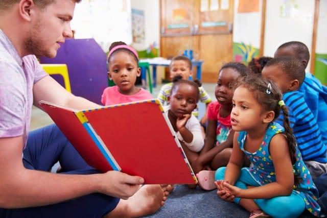 Leggere ai bimbi piccoli