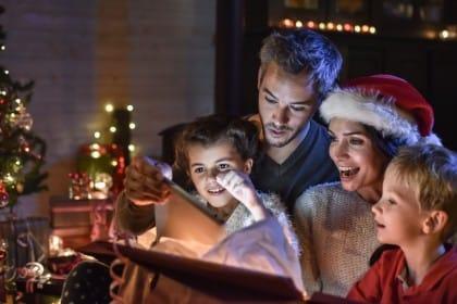 Tante idee e consigli utili sui giochi da fare a Natale con i bambini