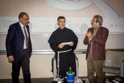 """A Padre Enzo Fortunato il Premio Non sprecare per la categoria """"Personaggio"""""""
