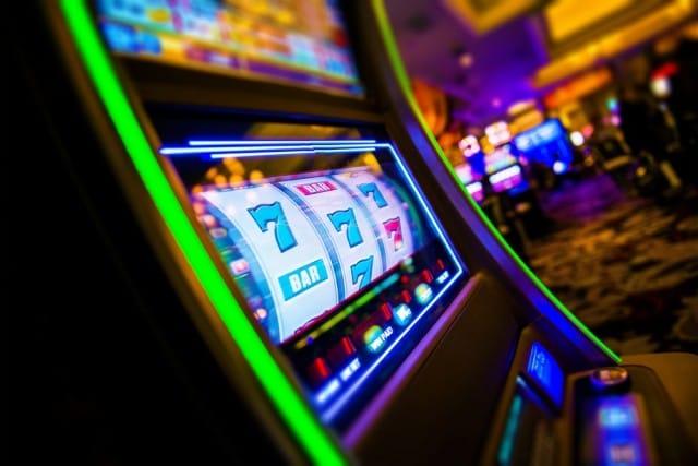 Basta! Il gioco d'azzardo in Italia lo protegge lo Stato. Interessato solo a incassare i soldi