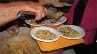 Dino Impagliazzo, il pensionato romano che ogni giorno offre 250 pasti ai senzatetto (foto e video)