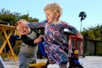 Bambini contro bambine: che fare? Nulla, è solo un passaggio della crescita