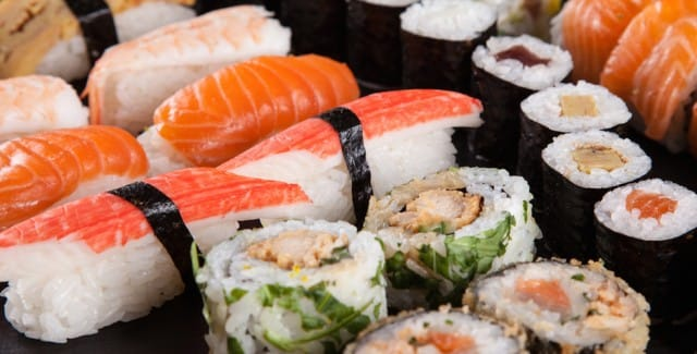 come-mangiare-pesce-crudo-in-sicurezza-sushi (1)