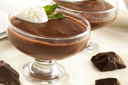 Budino al cioccolato, una ricetta speciale con uvetta di Corinto