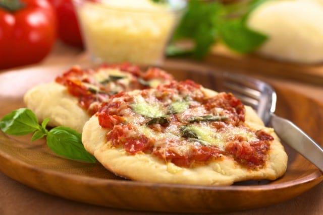 Pizzette fritte: la ricetta per preparare in casa una sfiziosità unica