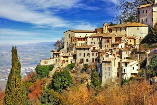 L'Italia dei borghi, un patrimonio da salvare. E una meta perfetta per le vacanze di Pasqua
