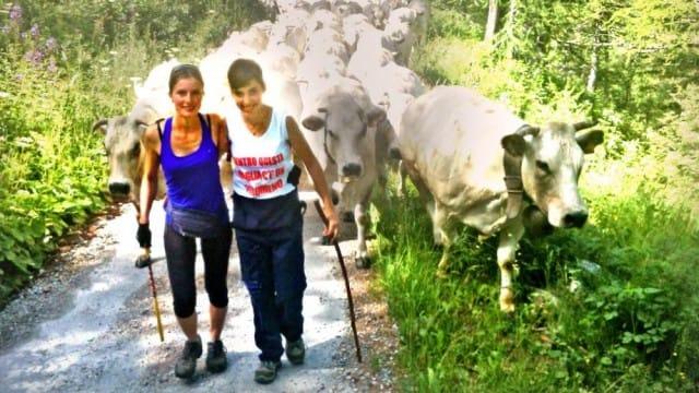 La storia di Roberta: a soli 17 anni, ha deciso di vivere in montagna e produrre il formaggio