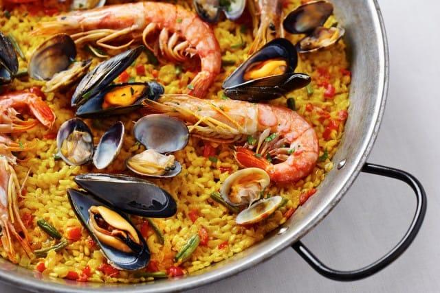 Paella di pesce ricetta spagnola