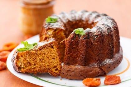 La ricetta della torta al miele, un dolce energetico, perfetto per la colazione