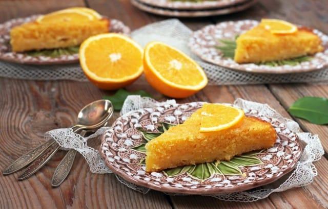 Torta con succo di arancia, la ricetta di un dolce delizioso, nutriente e sano (foto)