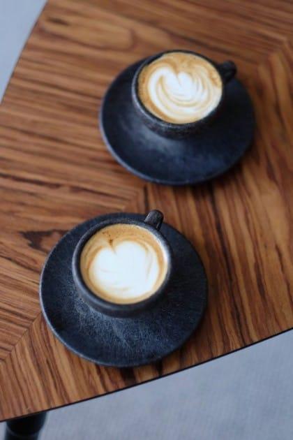 tazzine fatte con fondi di caffè
