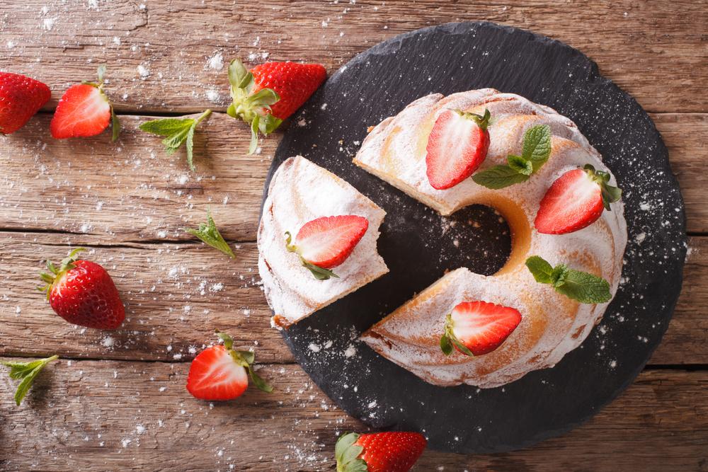torta con fragole semplice
