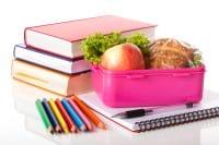 Il dramma dei bambini poveri inglesi che, durante le vacanze scolastiche, non mangiano