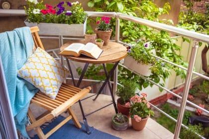Come pulire balconi e terrazzi con prodotti naturali