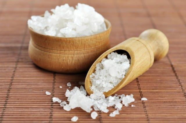 Deumidificatore fai da te con sale grosso non sprecare - Bagno con sale grosso ...
