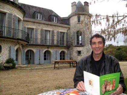 L'editore dei poveri, l'incredibile storia di Vincent Safrat. In Francia è un eroe