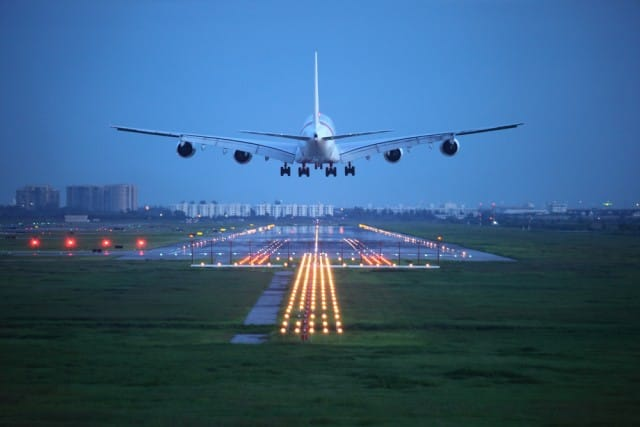 Paura di volare: i consigli per combatterla e viaggiare sereni, tranquilli e rilassati